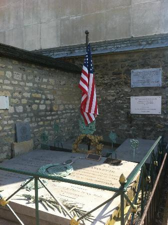 Pictus Cemetery (Cimetiere de Picpus): Lafayette's Tomb at Picpus Cemetery