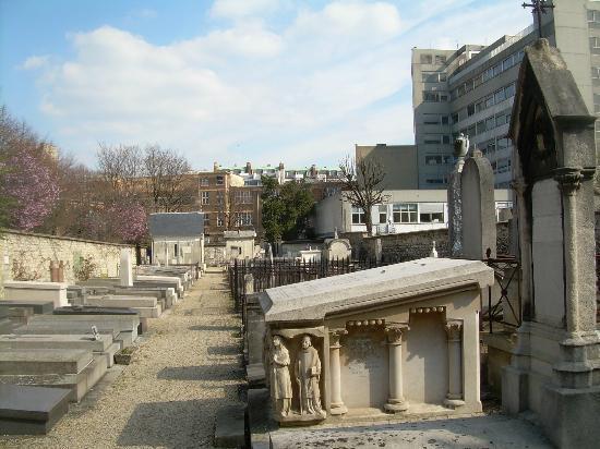 Cimetière de Picpus : Tombstones at Picpus Cemetery