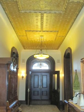 Wheeler Mansion: 1st Floor Hall
