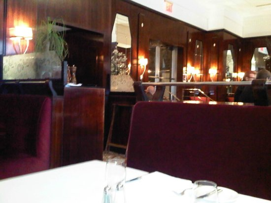 Brasserie Ruhlmann : View from my table indoors - general decor and feel