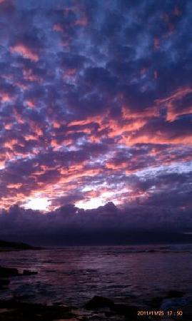 Paia, HI: Sunset at Ho'okipa