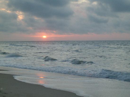 Buccaneer Inn: Beautiful sunrise!