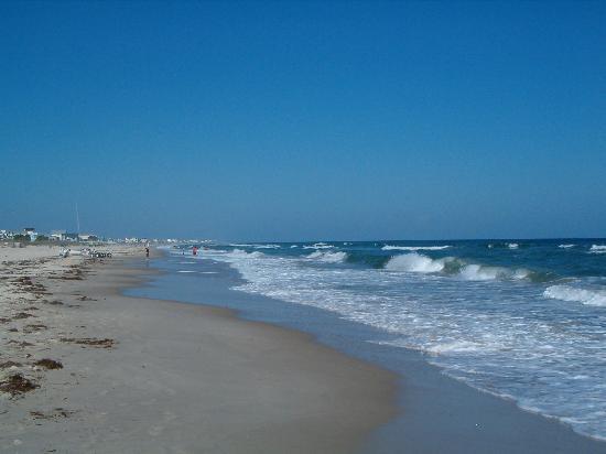 Buccaneer Inn: Clean, uncrowded beach
