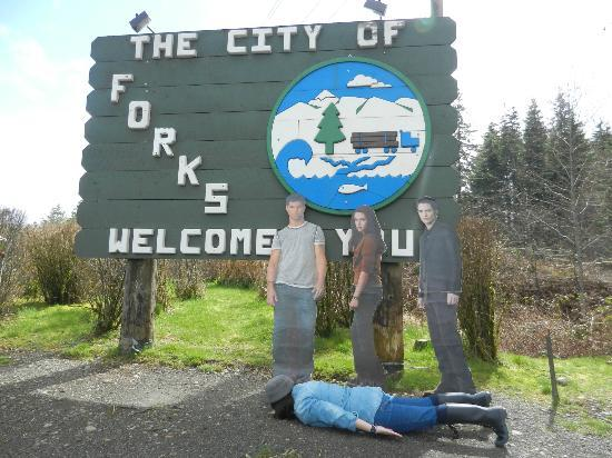 Twilight Tours by Team Forks: planking in forks & planking in forks - Picture of Twilight Tours by Team Forks Forks ...