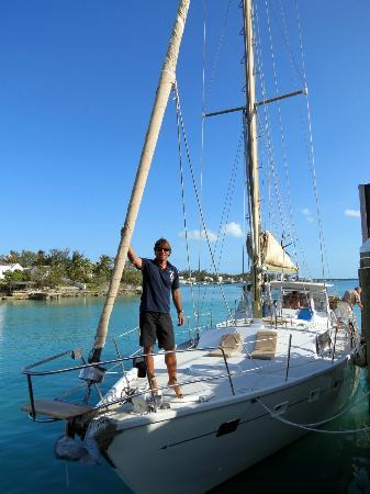 Sail to Bahamas Day Charter : Captain Ali and his sailboat