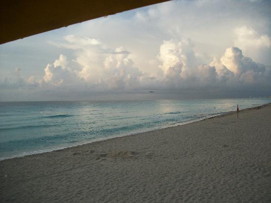 Flamingo Cancun Resort: dia de lluvia