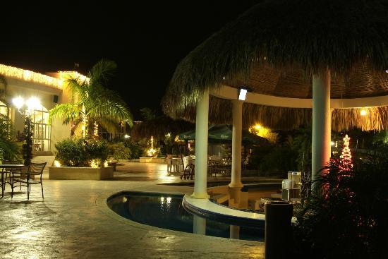 La Ensenada Beach Resort and Convention Center: NIGTH POSTAL CARD