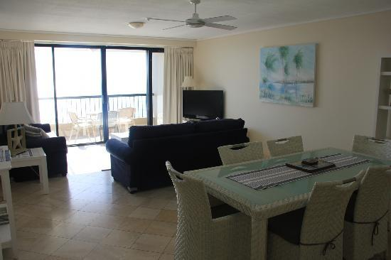 Clubb Coolum Beach: Lounge area