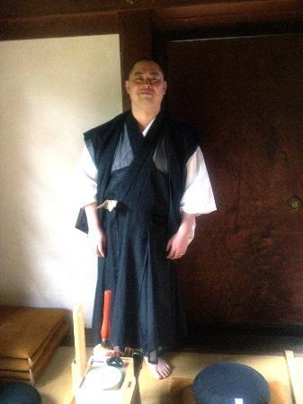 Shunkoin Temple Guest House: Rev. Taka Kawakami in meditation room