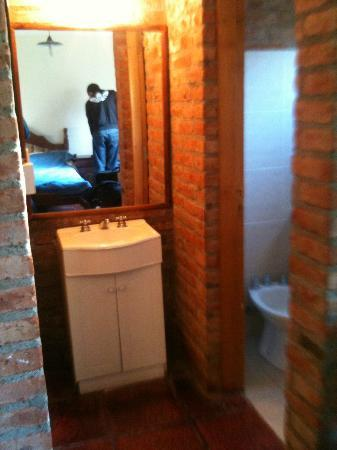 Calafate Hostel: lavabo