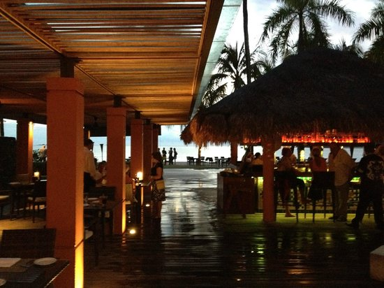 La Sal at Casa Del Mar : View over Bar to beach