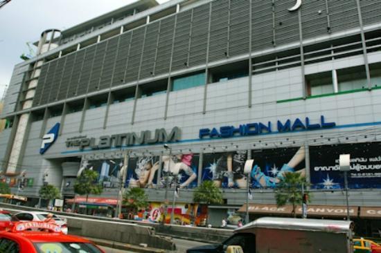 Hotel Near Platinum Fashion Mall