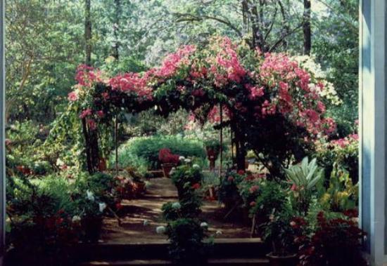 Maidstone: The Entrance to the Garden