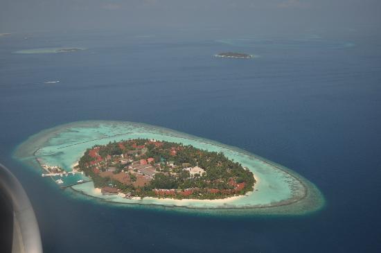 Kurumba Maldives : Kurumba from the plane