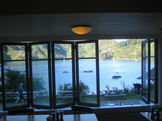 Queen Charlotte Track: Lochmara Lodge - view