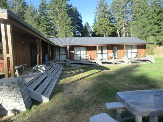 LakeFront Backpackers Lodge: Lodge