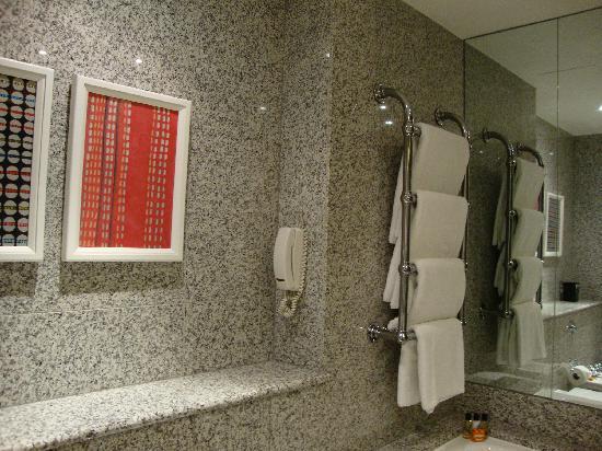 The Soho Hotel: Sala da bagno