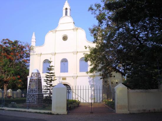 Cochin Magic Day Tours: St Francis Church
