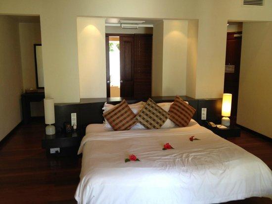 Hilton Seychelles Labriz Resort & Spa : Beach Villa bed