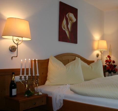 Berggasthof Edelweiss: Suite 111