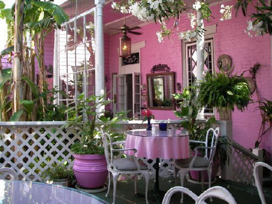 New Orleans Guest House: Innenhof/Veranda