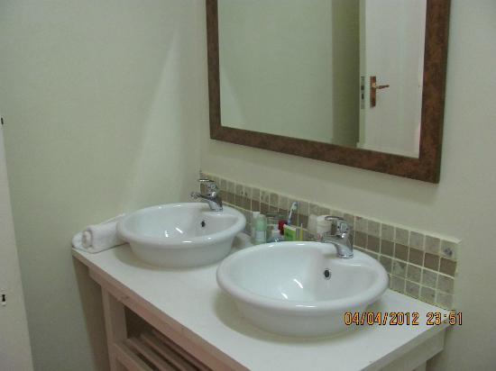 St Bedes Terrace: Bathroom again