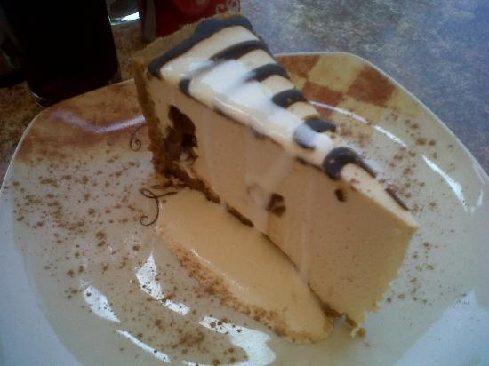 Cozy Cafe : Cheesecake, with chocolate running through