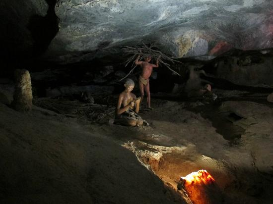 The Tunnel of Love - Picture of The Cango Caves ...