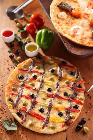 24/7 Restaurant - The Lalit Mumbai : Pizza at 24/7