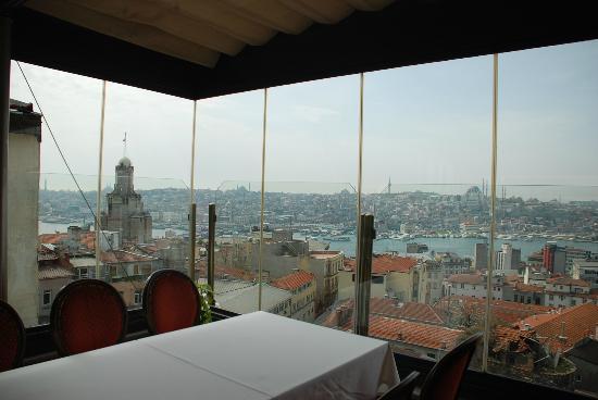 Anemon Galata: restaurantdan görüntü akşam bir başka güzel