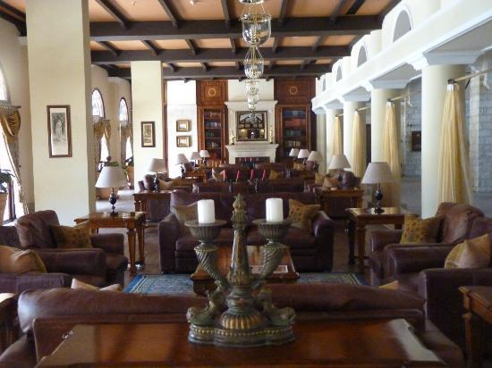 Elysium Hotel : Bibliothek