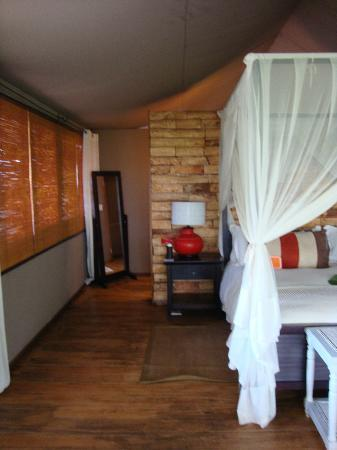 Wilderness Safaris Toka Leya Camp: room