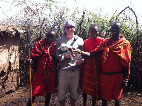 African Memorable Safaris: Visit to the Masai Village