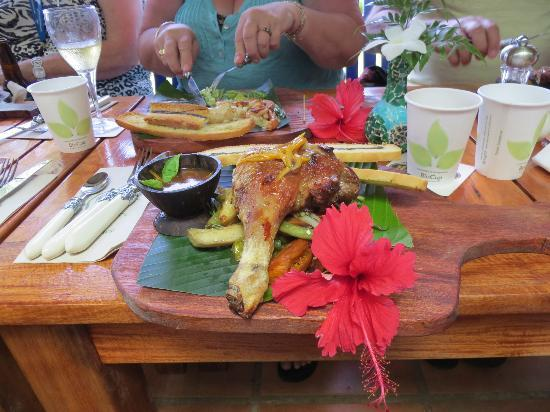 The Summit Gardens Vanuatu: delicious duck for lunch - served the traditional way