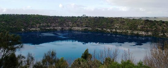 Маунт-Гамбир, Австралия: Blue Lake, Mt Gambier (April 2012).