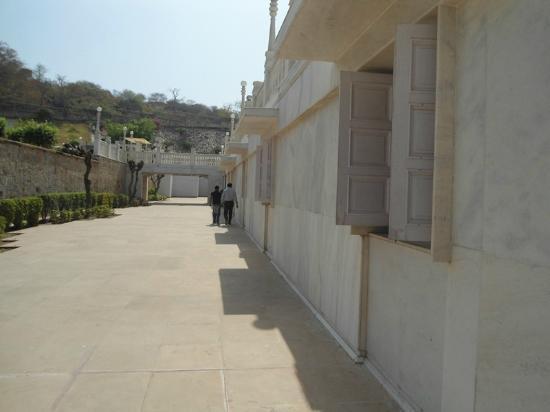 Birla Mandir Temple: BM Birla family museum in base of temple