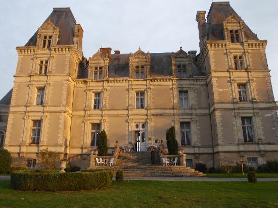 Chateau de La Tremblaye : front