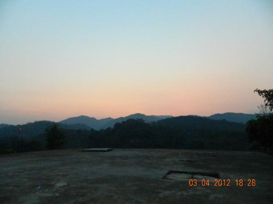 Ananthagiri Hill Resort: View from Rear Parking