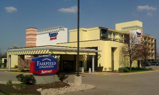 Fairfield Inn & Suites Cincinnati North / Sharonville: Hotel