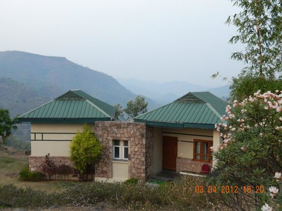 Ananthagiri Hill Resort: View from the Lawn