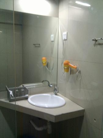 Hotel D'New 1 : Bathroom 2