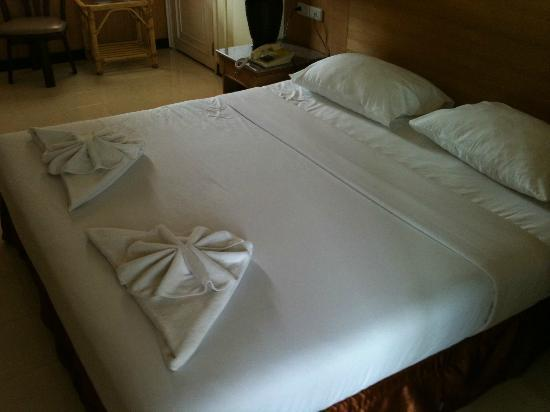 Eastiny Inn Hotel : the bed