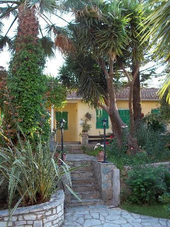 Philippos Hotel Apartments: Porzione studios.