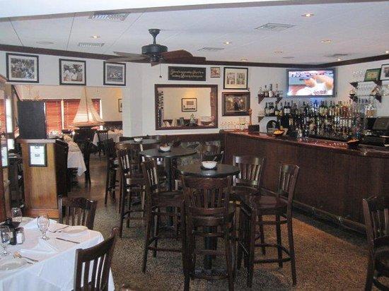 Ziggie mad dog 39 s islamorada menu prices restaurant for Mad beach fish house menu