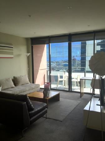 The Sebel Residences Melbourne Docklands: huge living room
