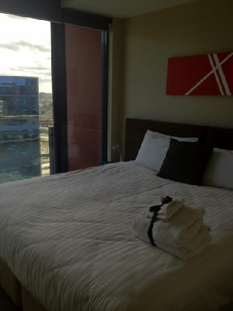 The Sebel Residences Melbourne Docklands: super cosy bed!