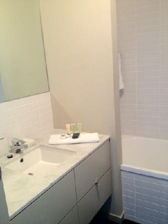 The Sebel Residences Melbourne Docklands: bathroom