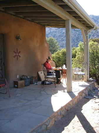 Cochise Stronghold, A Nature Retreat: Front Porch Agave Suite