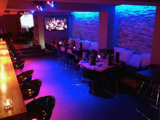 Bacchouse: Cabaret Lounge Bar Cannes
