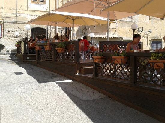 L'Ambasciata di Sicilia: la terrazza del ristorante